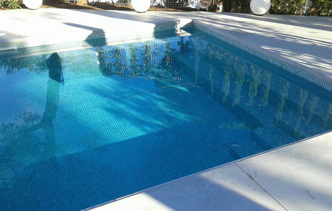 Construcción piscina de obra en Pals por MAP Paletas y Albañiles